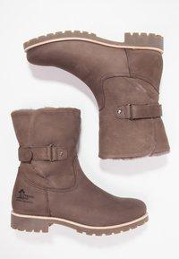 Panama Jack - FELIA IGLOO - Cowboy/biker ankle boot - gris - 1