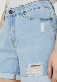 Noisy May - Denim shorts - light blue denim - 3