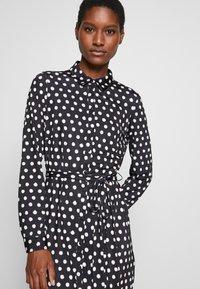 Wallis - SPOT DRESS - Sukienka z dżerseju - black/white - 4