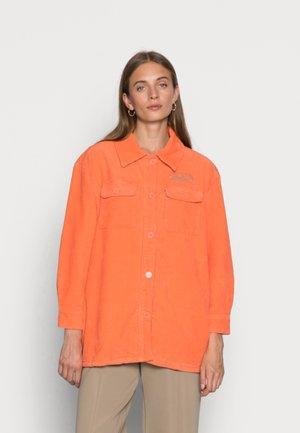 SELA - Blouse - orange