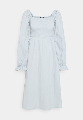 SHIRRED MILKMAID PUFF SLEEVE DRESS