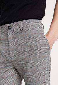 KIOMI - Trousers - light grey - 3