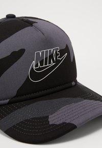 Nike Sportswear - CAMO TRUCKER - Casquette - dark grey - 5