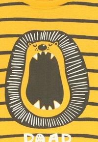 Blue Seven - SET - Tracksuit bottoms - yellow - 4