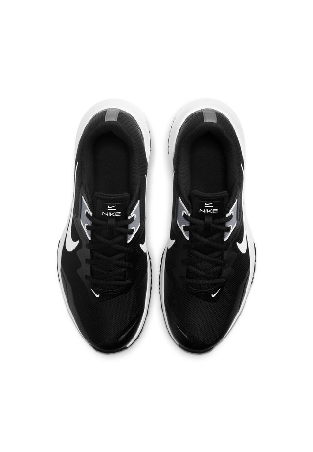 VARSITY COMPETE TR 3 - Sports shoes - black/white-smoke grey