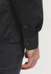 Tommy Hilfiger - Shirt - flag black - 5