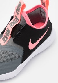 Nike Performance - FLEX RUNNER UNISEX - Neutral running shoes - smoke grey/sunset pulse/black/white - 5