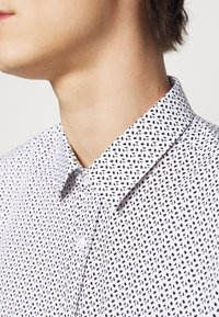 HUGO - ELISHA - Formal shirt - black - 6