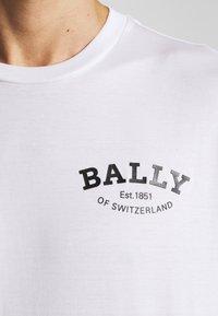 Bally - Triko spotiskem - white - 5