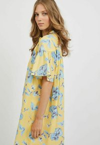 Vila - OVERSIZE - Skjortklänning - pineapple slice - 3