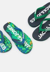 Jack & Jones - 2 PACK MIX - Teenslippers - navy blazer/tropical - 5
