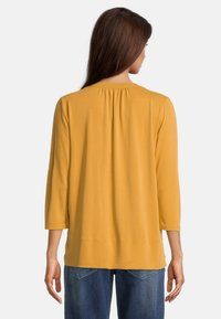 Betty & Co - MIT 3/4 ARM - T-shirt à manches longues - golden glow - 2