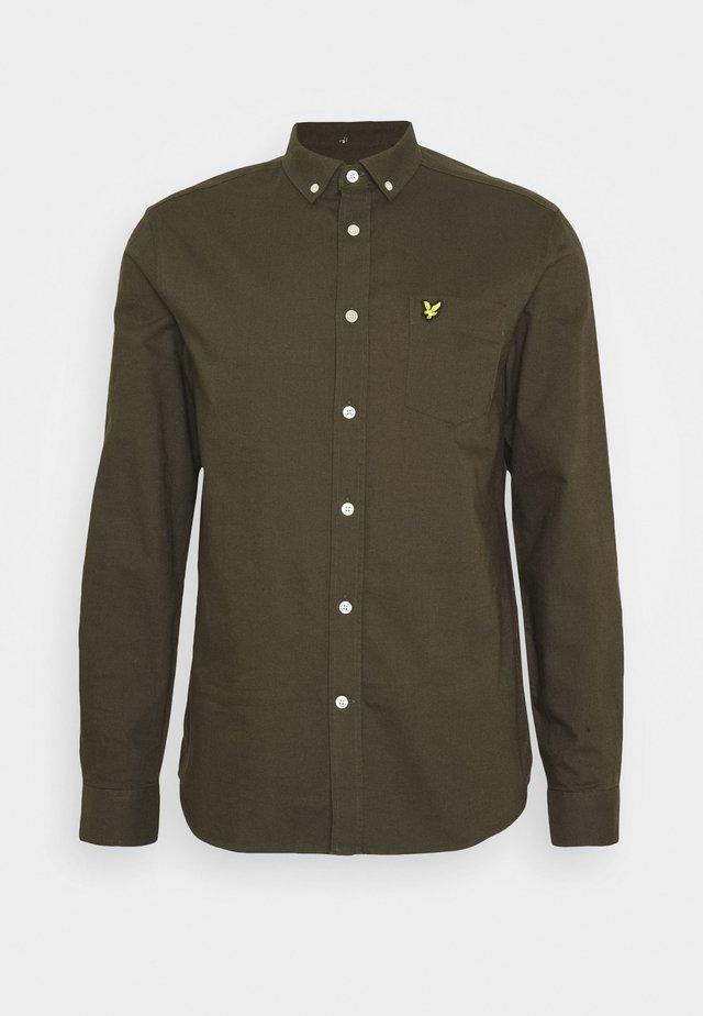 REGULAR FIT LIGHT WEIGHT OXFORD - Skjorta - trek green