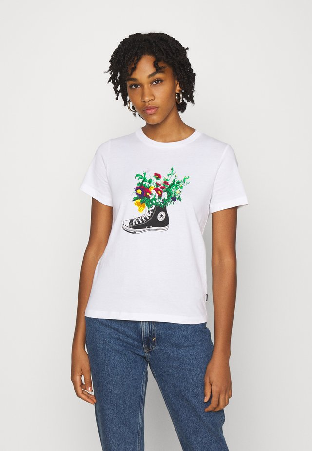 CHUCKS IN BLOOM GRAPHIC TEE - Print T-shirt - white