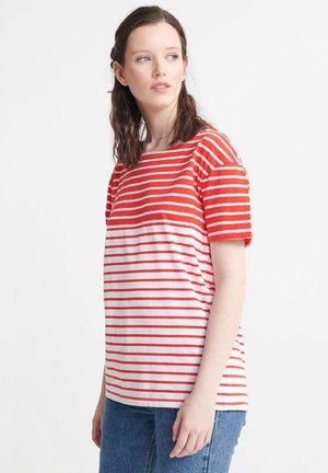 BRETON  - Print T-shirt - red stripe