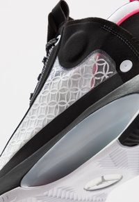 Jordan - AIR XXXIV - Koripallokengät - black/metallic silver/white/digital pink - 5
