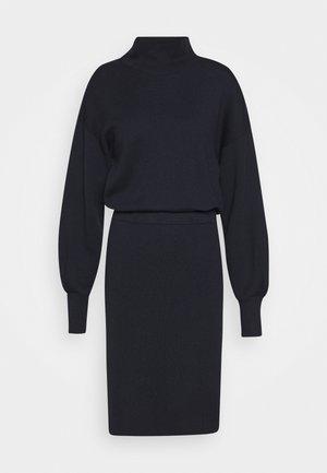 WANETTA ILZE DRESS - Džemperkleita - marine blue