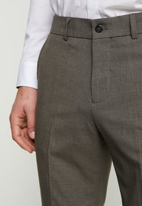 Lindbergh - PLAIN SUIT  - Puku - light brown - 10