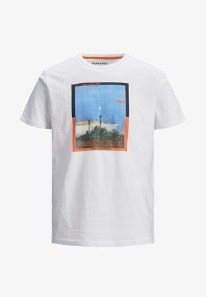 JORALLROUND - Print T-shirt - white