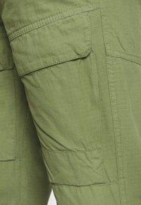 Nerve - MILES PANTS - Reisitaskuhousut - oil green - 5