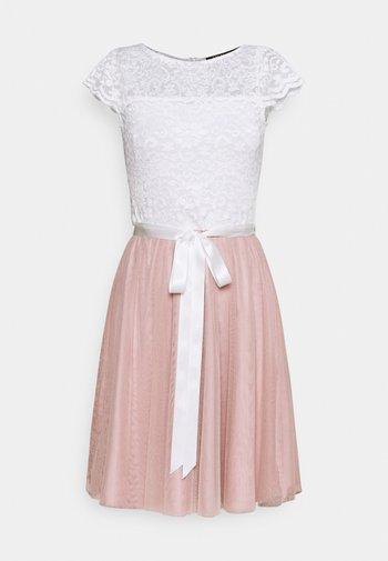Cocktailklänning - peach blush/ivory