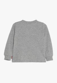 Levi's® - BOX TAB - Langarmshirt - grey heather - 1