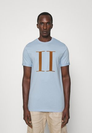 ENCORE  - T-shirt con stampa - dust blue/stone brown