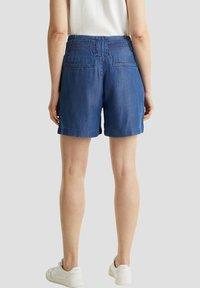 Esprit - PAPERBAG SHORT - Shorts - blue dark wash - 3