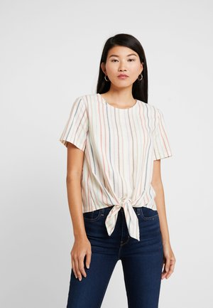 TIE FRONT BUTTON BACK TEE IN RAINBOW NEPS STRIPE - T-shirts med print - pearl ivory