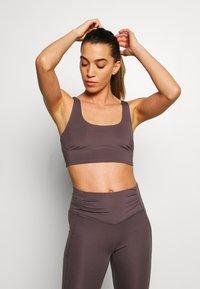 Free People - BREATHE EASY BRA - Sports bra - dark purple - 0