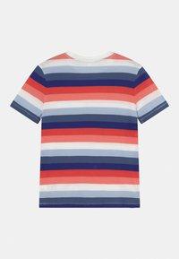 GAP - BOYS - T-shirts print - blue/red/pink - 1