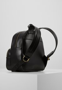 Versace Jeans Couture - SMALL BACKPACK STUD BORDER DETAIL - Rucksack - nero - 1