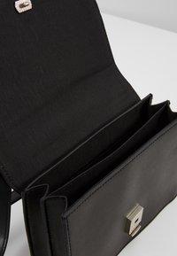 Pieces - PCKATLYN CROSS BODY - Across body bag - black/silver - 4