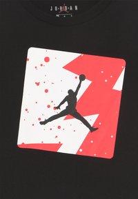 Jordan - POOLSIDE CREW - Print T-shirt - black - 3