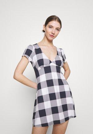 RIVIERA DRESS - Denní šaty - navy/multi