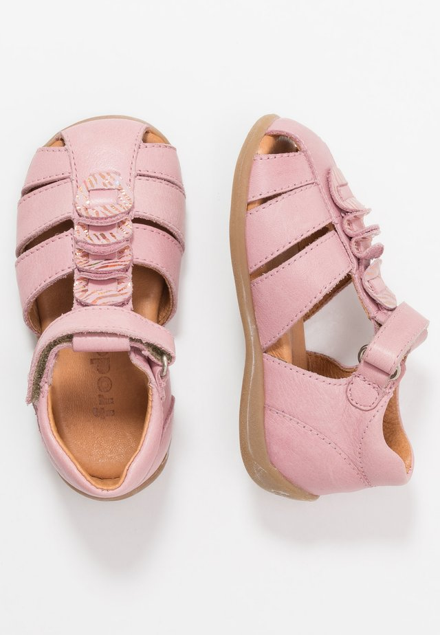 CARTE MEDIUM FIT - Riemensandalette - pink