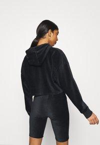 Ellesse - MINDINA - Langærmede T-shirts - black - 2