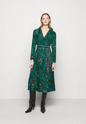 AMIYA - Denní šaty - multi/emerald