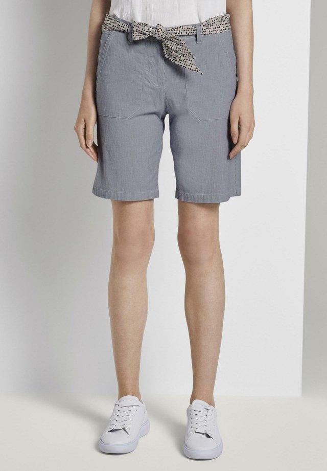 BERMUDA - Shorts - thin stripe pants