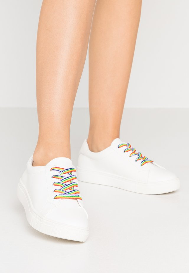 PRIDE - Zapatillas - white