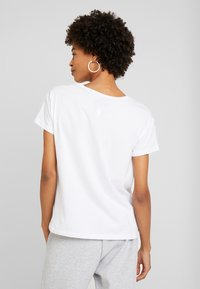 Armani Exchange - Print T-shirt - white/black - 2