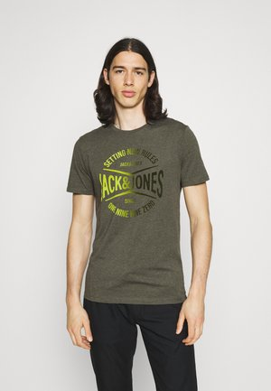 JJNICK TEE CREW NECK - Print T-shirt - forest night