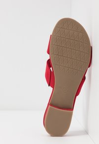 Marco Tozzi - SLIDES - Mules - red - 6