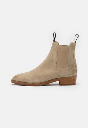 HUNTER CHELSEA - Classic ankle boots - camel