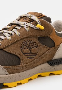 Timberland - FIELD TREKKER - Trainers - medium brown - 5