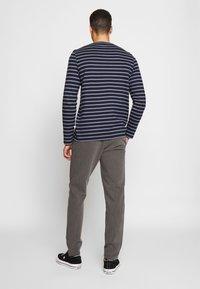 Samsøe Samsøe - FRANKIE PANTS - Trousers - dark grey - 2