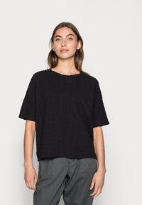 Lounge Nine - KYLIE - T-shirts med print - pitch black - 0