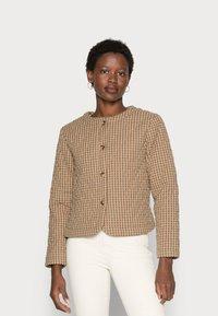 esmé studios - RADA SHORT QUILT JACKET - Light jacket - check tannin/grape leaf - 0