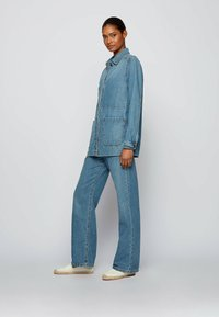 BOSS - Flared Jeans - blue - 1