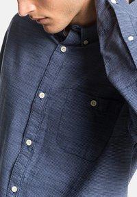 Quiksilver - QUIKSILVER™ FIREFALL - LANGÄRMLIGES HEMD FÜR MÄNNER EQYWT03949 - Shirt - blue - 4